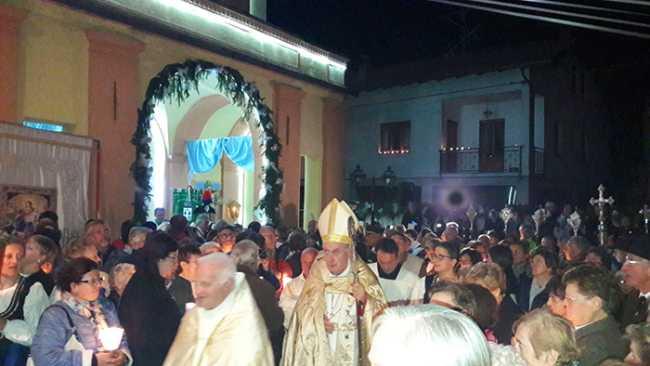 piana fornero processione 17 vescovo lumini 4