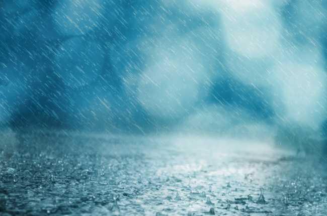 pioggia sfondoazzurro