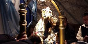 piana-processione-lumini_6.jpeg