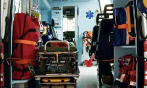 interno barella ambulanza